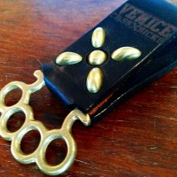 "KEY HOLDER  ""SUCK"" 【VENICE CLASS SICKS】BLACK"