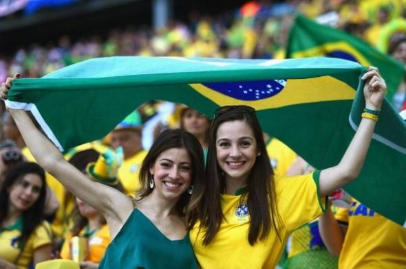 World-Cup-Opening-Ceremony-Beautiful-Female-Fans-590x392